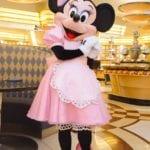 かわいいウエイター衣装!「シェフ・ミッキー」のミニーマウスのコスチュームを新旧比較