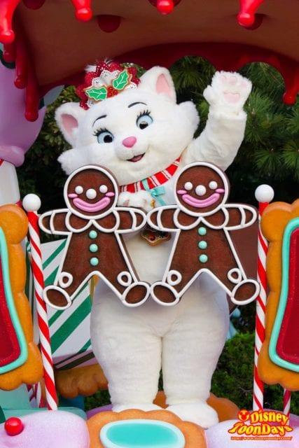2013年クリスマスサンタヴィレッジパレードのマリー