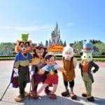 エントランス『フリーグリーティング』のピノキオたち