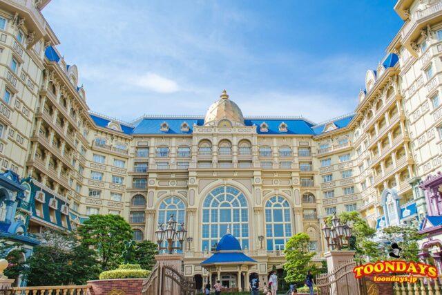 ディズニーホテルのレストランへ!