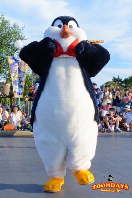 ハピネス・イズ・ヒア ウェイター・ペンギン