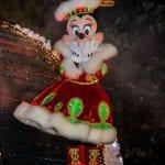 エレクトリカルパレードのクリスマス衣装のミニーマウス
