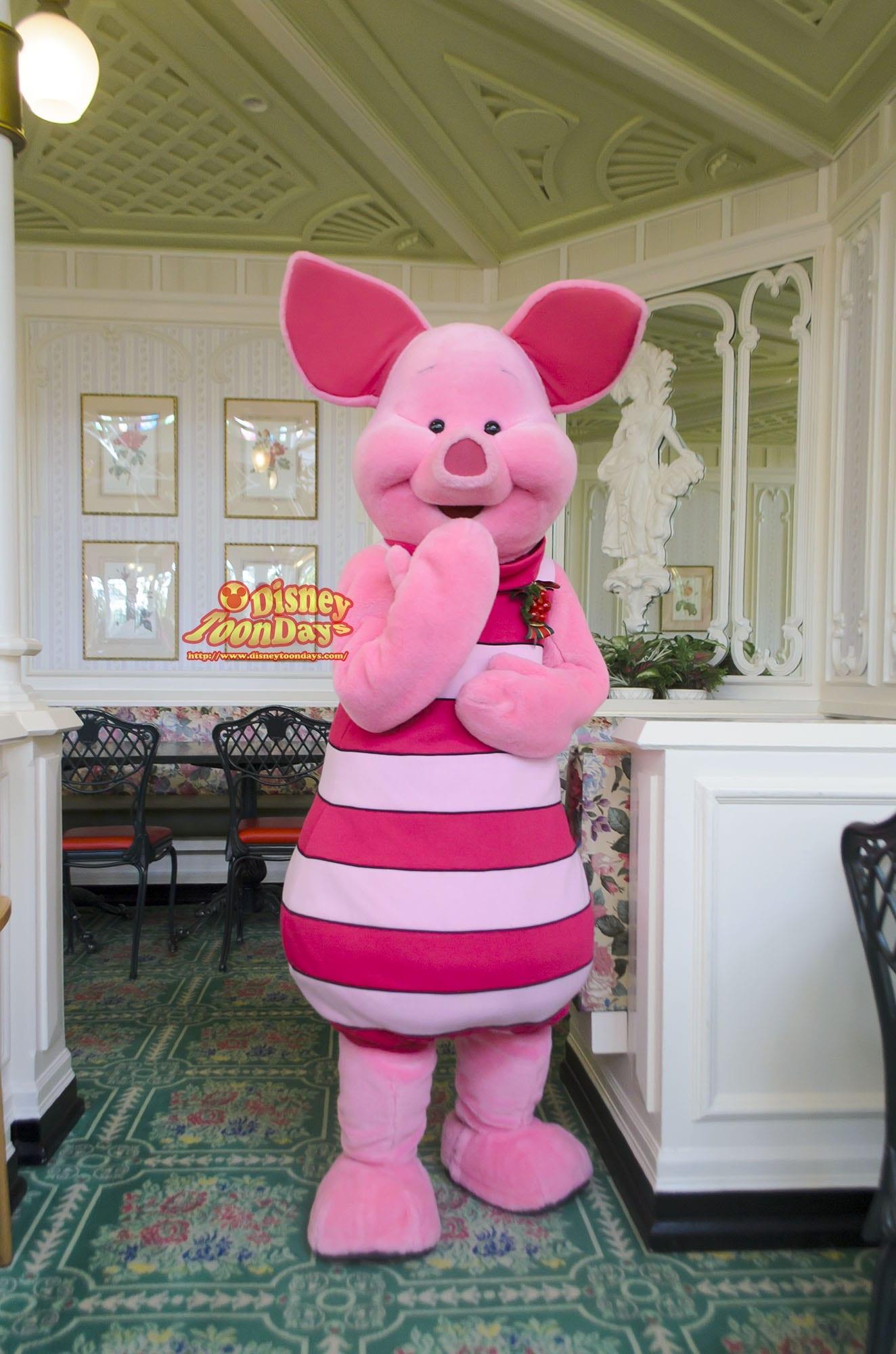 TDL アドベンチャーランド クリスタルパレスレストラン キャラクターブレックファスト グリーティング ピグレット