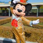 30周年コスのミッキーマウスが『エントランス』で整列グリーティング!