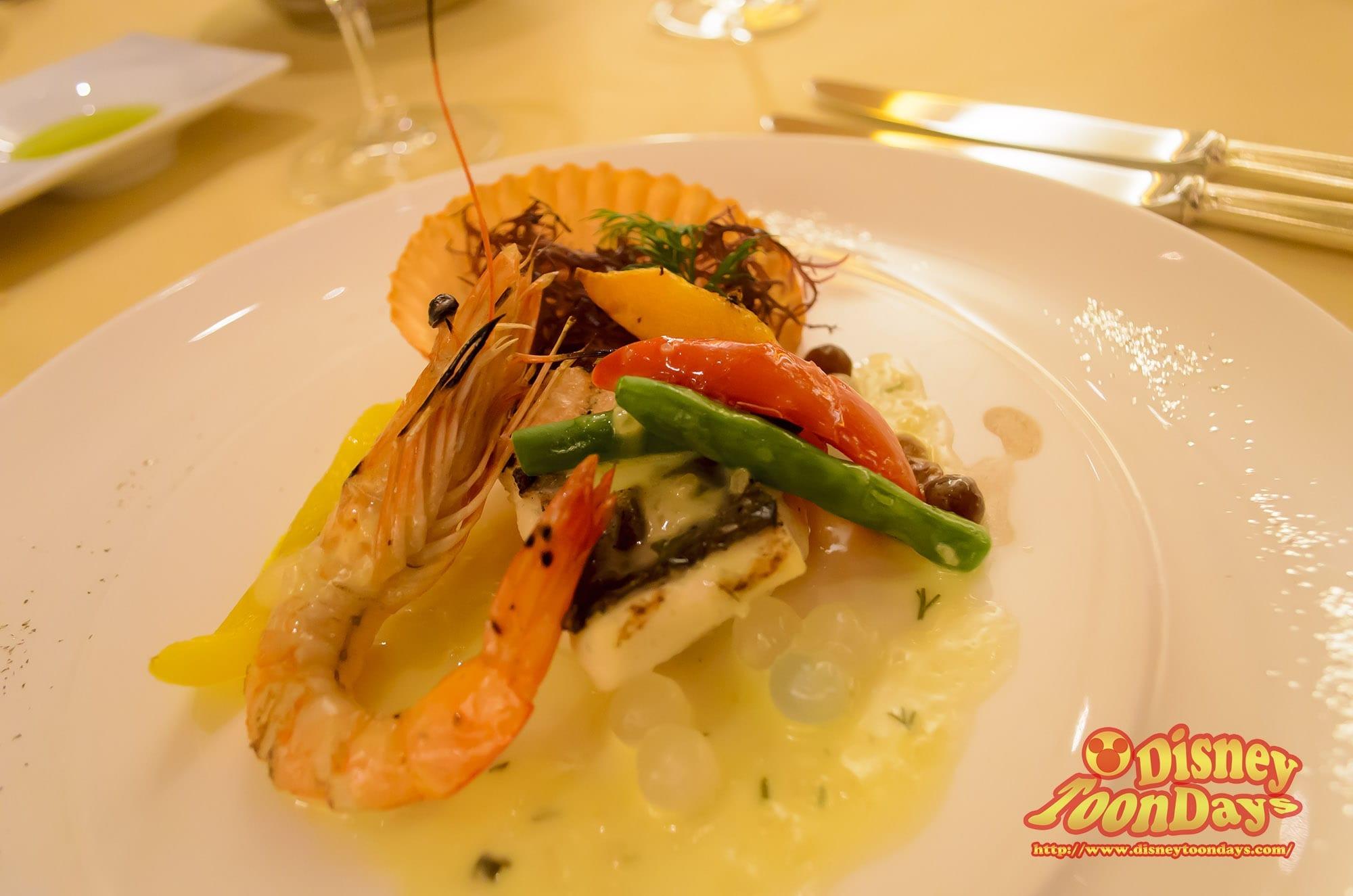 TDR ディズニーアンバサダーホテル エンパイアグリル マイアニバーサリーストーリー 本日の鮮魚のグリル 天使の海老と季節の野菜 ハーブバターソース レモン風味