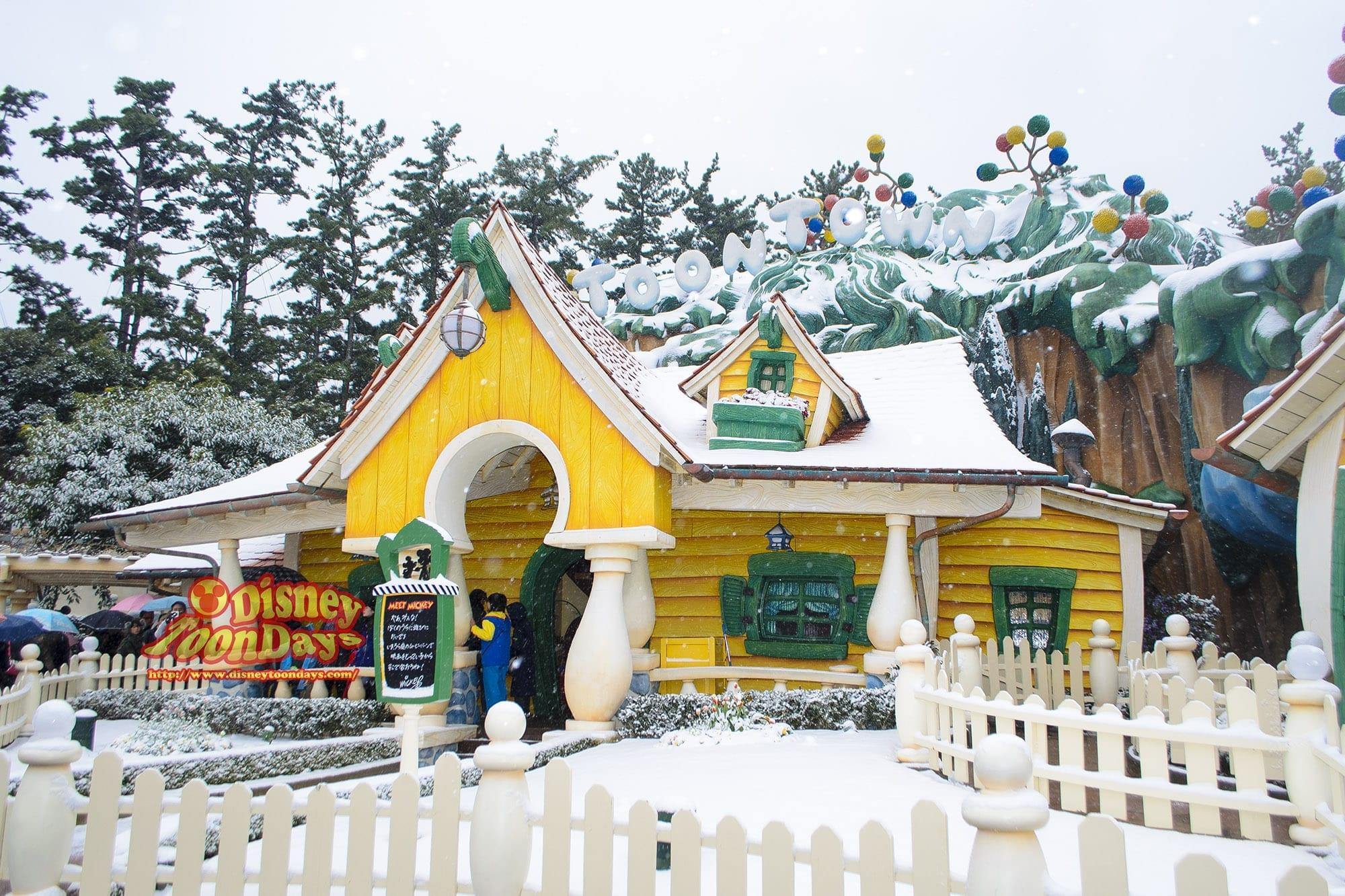 TDL 雪 トゥーンタウン ミッキーの家とミートミッキー