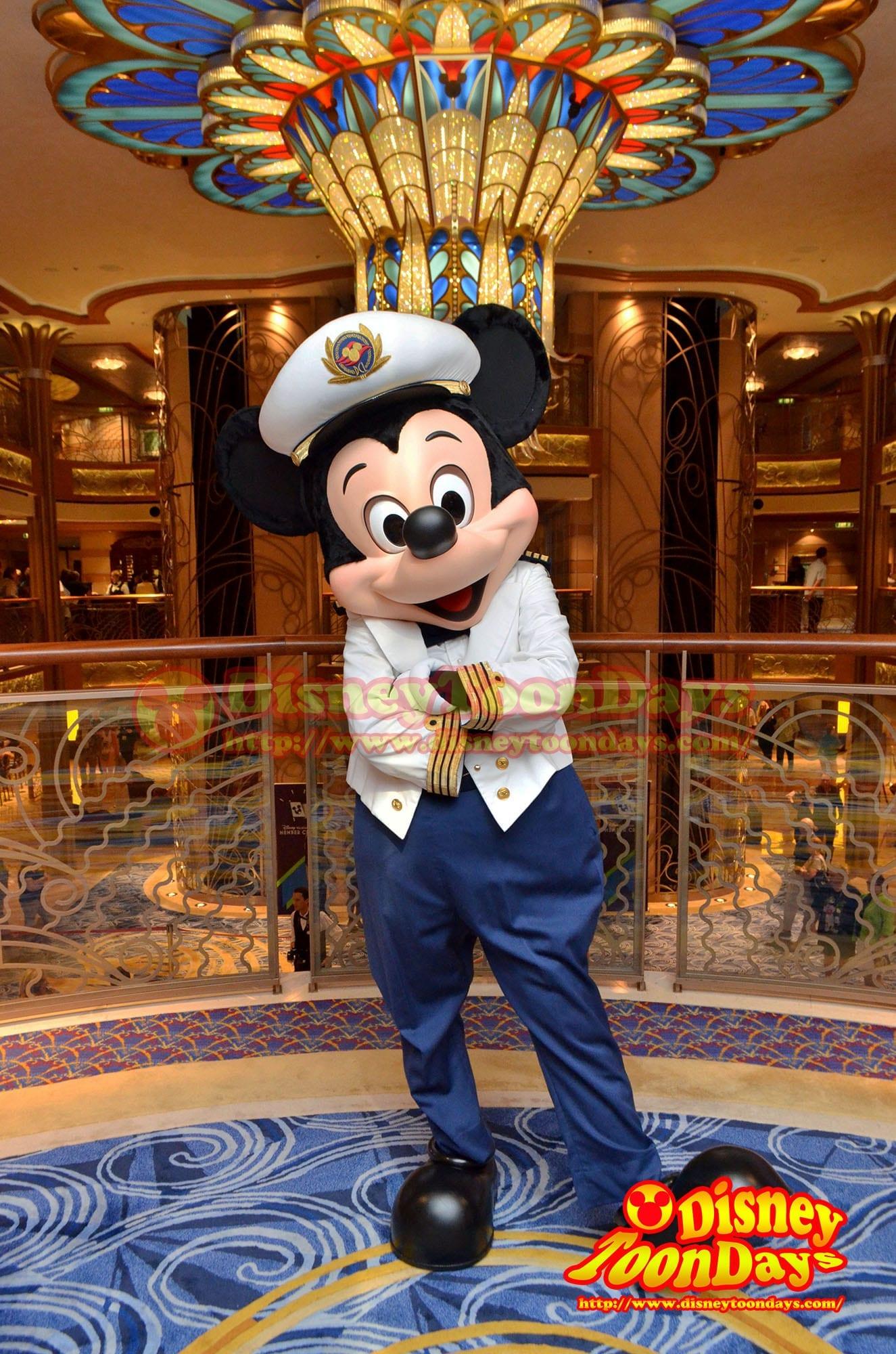 ディズニークルーズライン バハマ航路 マジック号 フォーマルデー ミッキーマウス