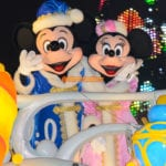 暖かそうな衣装を身にまとうミッキーとミニー@カラーオブクリスマス2014