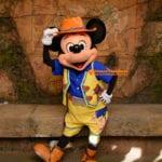 新しいカメラを節目のミッキーマウス