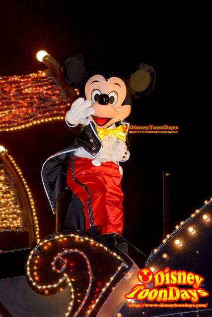 エレクトリカルパレードに登場するミッキーマウス(通常)