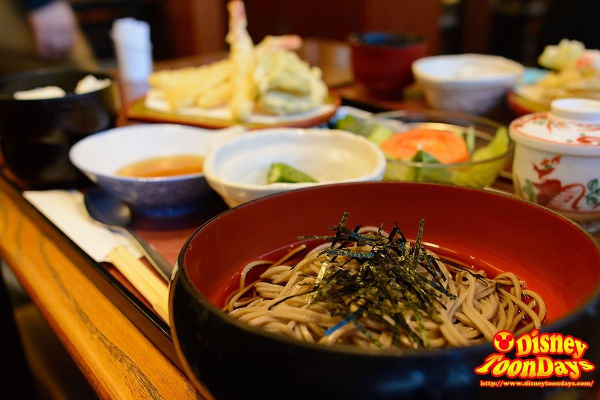 成田空港にて最後の日本食