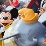 念願のダンボグリ!香港ディズニーランドでダンボに乗ったミッキーと遭遇/世界一周レポート30