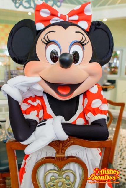 エンチャンテッドガーデンで会えるミニーマウス