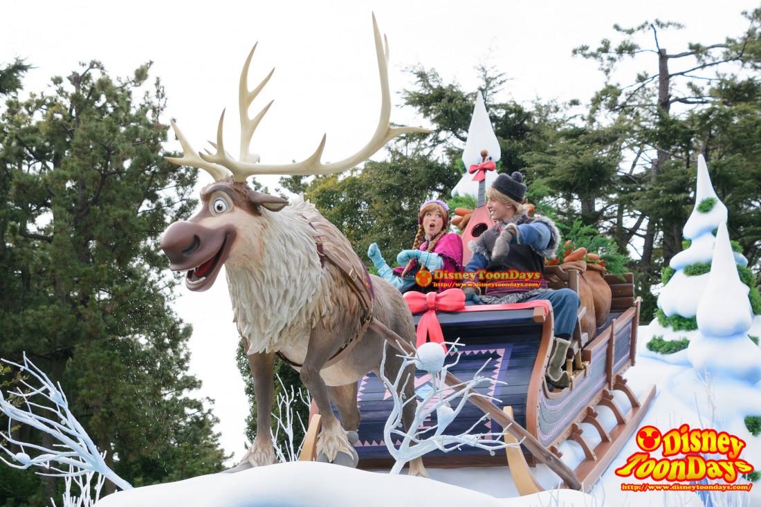 フローズンファンタジーパレードのアナとクリストフ