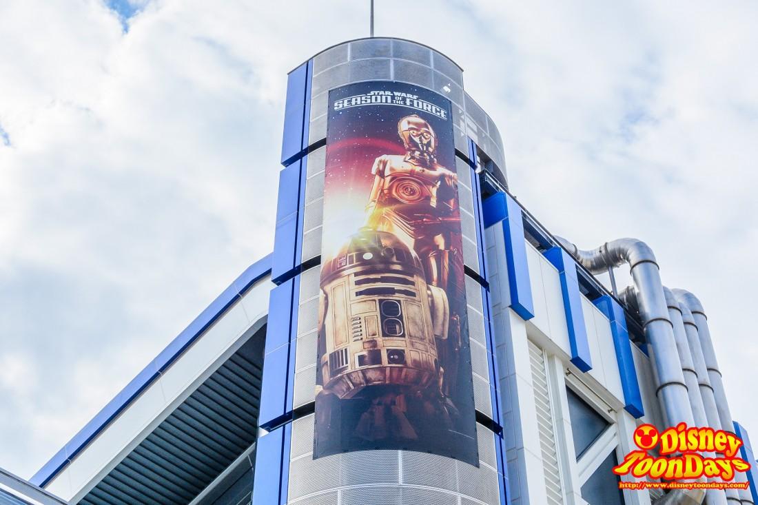 大人気ドロイドのR2-D2とC-3PO