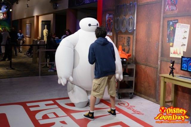 WDW ディズニーハリウッドスタジオ アニメーションコートヤード グリーティング ヒロ ベイマックス 待ち