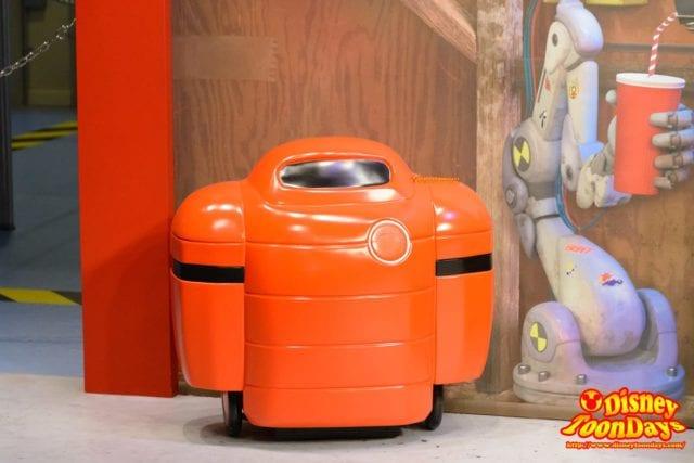 WDW ディズニーハリウッドスタジオ アニメーションコートヤード ベイマックスの充電器