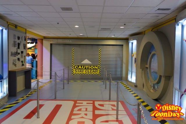 WDW ディズニーハリウッドスタジオ アニメーションコートヤード Qライン 入り口側