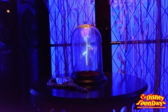 WDW マジックキングダム ニューファンタジーランド ビー・アワー・ゲスト・レストラン ザ・ウエスト・ウィング バラ