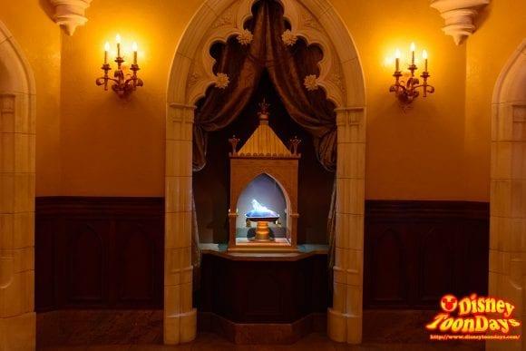 WDW マジックキングダム ファンタジーランド プリンセス・フェアリーテイル・ホール ガラスの靴