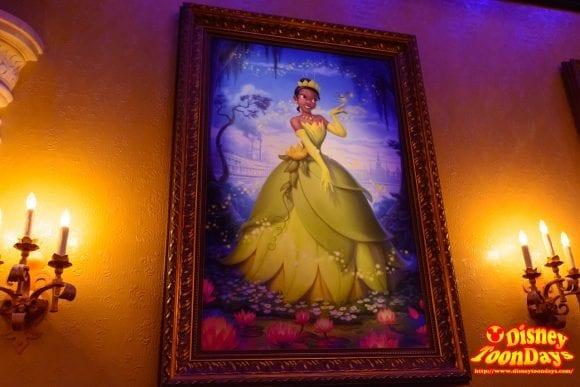 WDW マジックキングダム ファンタジーランド プリンセス・フェアリーテイル・ホール 絵画 ティアナ