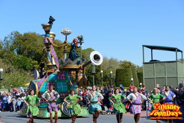 WDW マジックキングダム フェスティバル・オブ・ファンタジー・パレード 「メリダとおそろしの森」ユニット