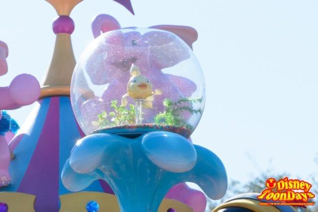 WDW マジックキングダム フェスティバル・オブ・ファンタジー・パレード クレオ