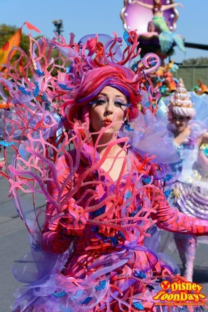 WDW マジックキングダム フェスティバル・オブ・ファンタジー・パレード サンゴダンサー