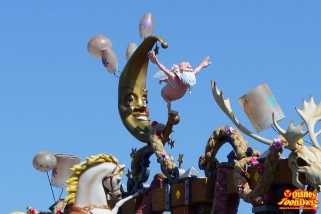 WDW マジックキングダム フェスティバル・オブ・ファンタジー・パレード ショーティー
