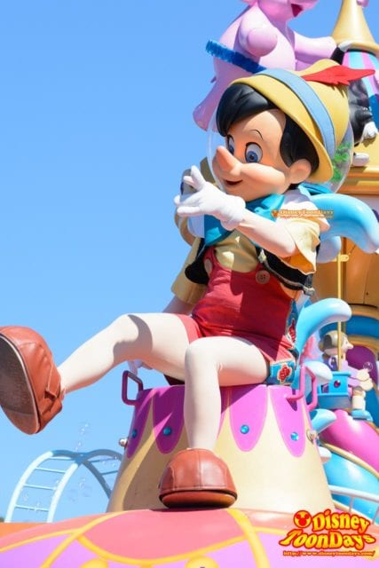WDW マジックキングダム フェスティバル・オブ・ファンタジー・パレード ピノキオ