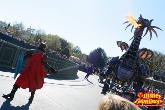WDW マジックキングダム フェスティバル・オブ・ファンタジー・パレード フィリップ王子 マレフィセント