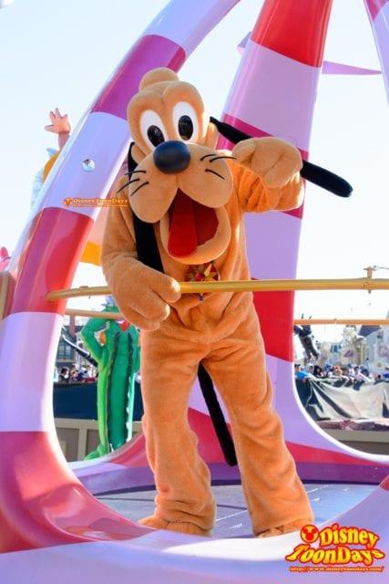 WDW マジックキングダム フェスティバル・オブ・ファンタジー・パレード プルート