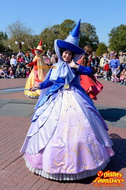 WDW マジックキングダム フェスティバル・オブ・ファンタジー・パレード メリーウェザー