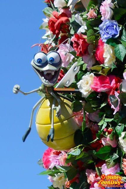 WDW マジックキングダム フェスティバル・オブ・ファンタジー・パレード レイ