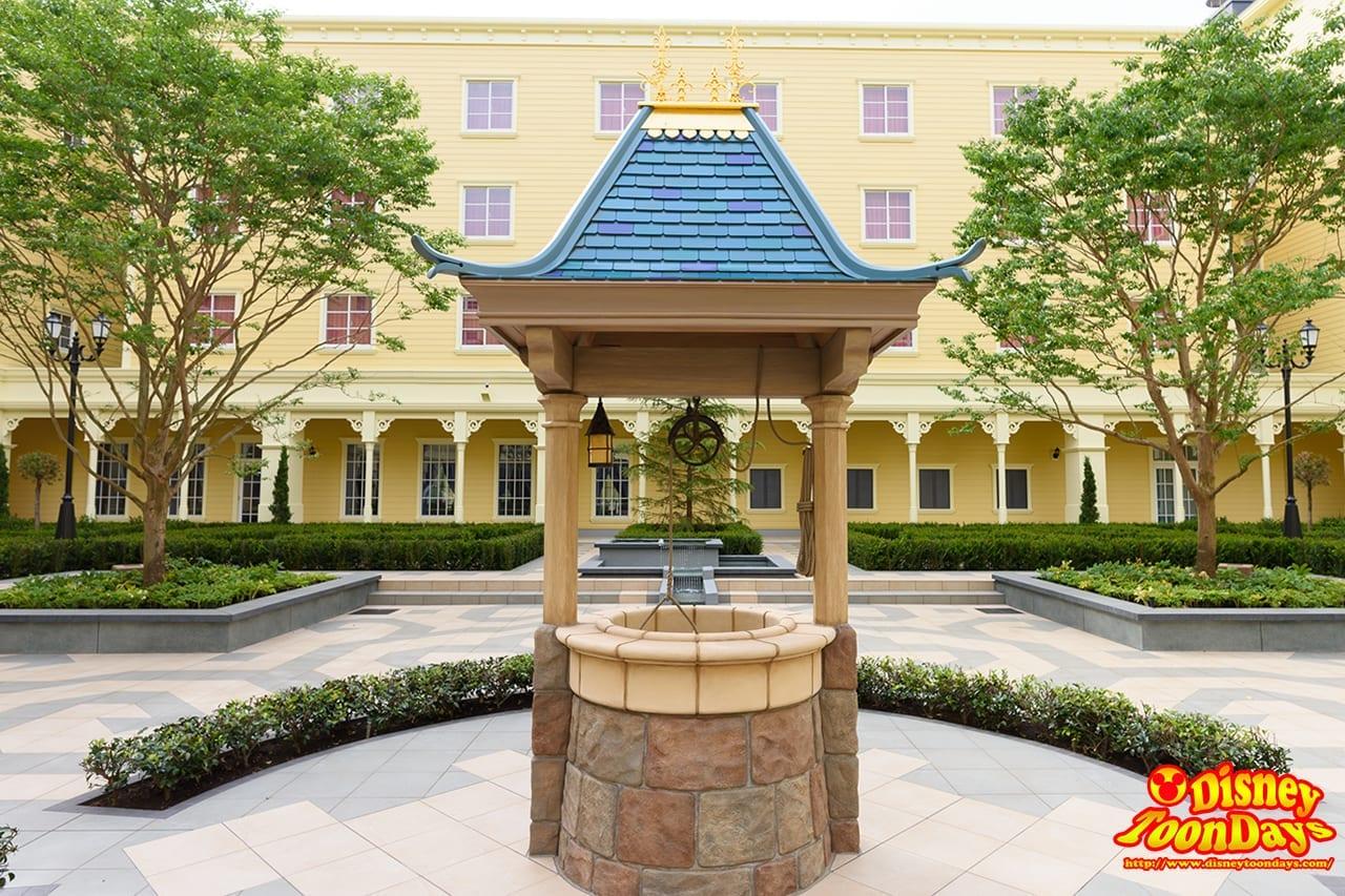 TDR ディズニーセレブレーションホテル 中庭 (8)