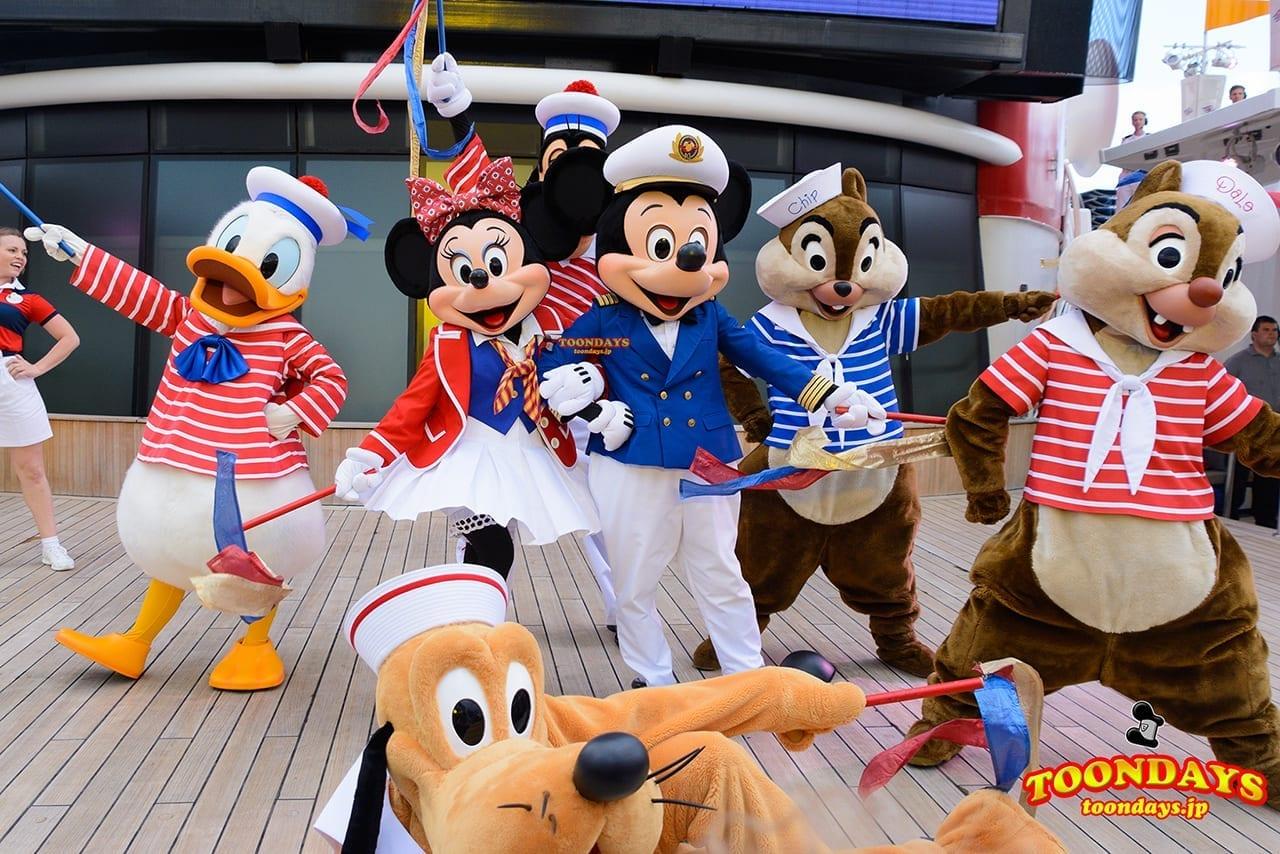 DCL ディズニーワンダー号 セイル・アウェイ ミッキーマウス ミニーマウス ドナルドダック チップ デール