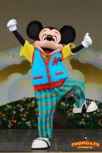 『ミッキーの家とミートミッキー』の蒸気船ウィリーのミッキーマウス
