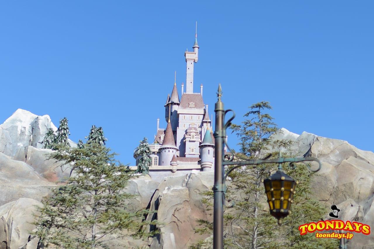 東京ディズニーランドの美女と野獣エリアのビースト・キャッスルのお城