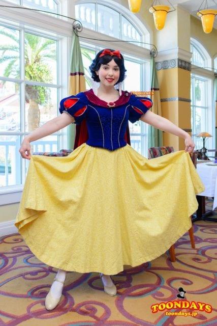新ドレスの白雪姫