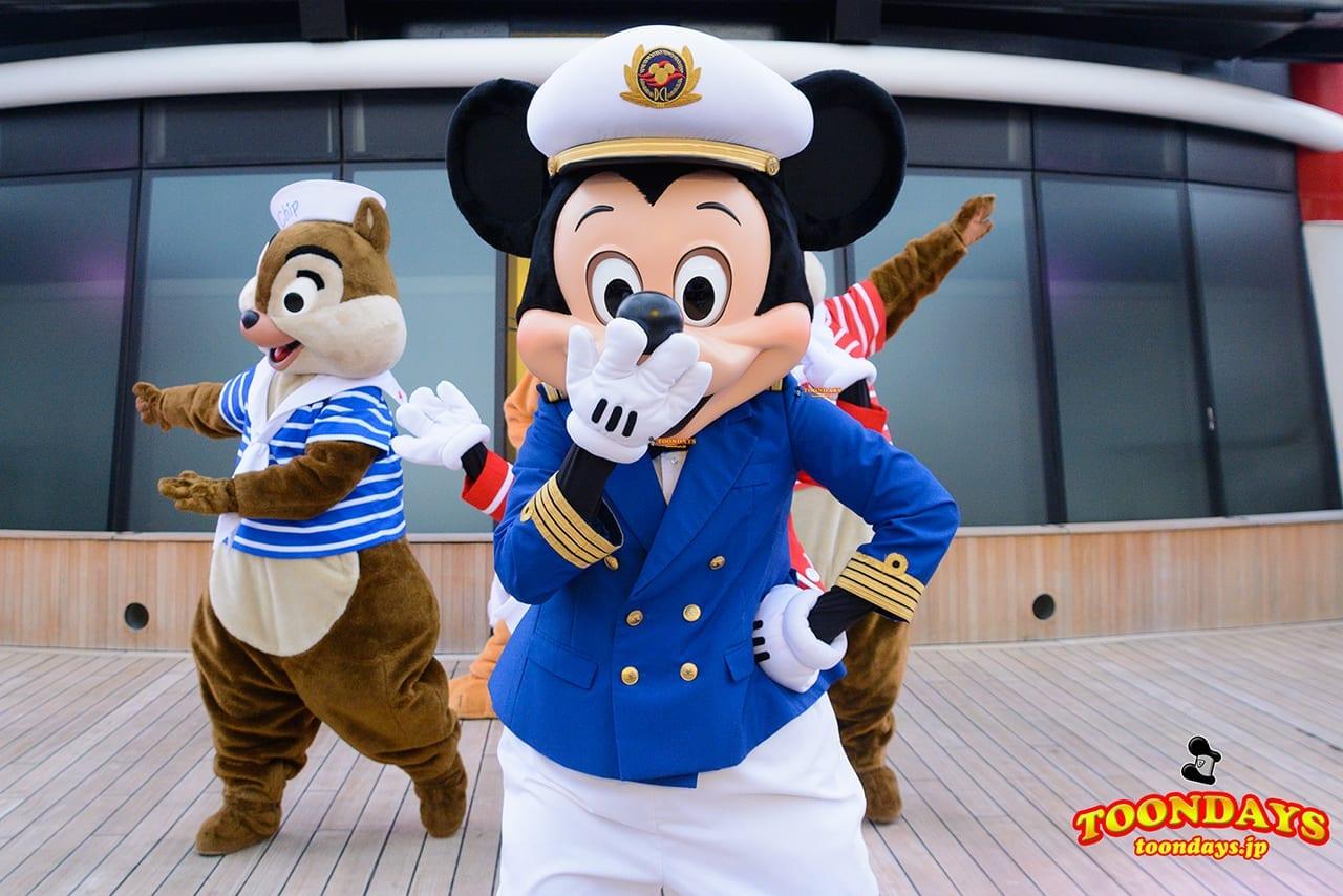 DCL ディズニー・ワンダー号 デックステージ アドベンチャーズ・アウェイ ミッキーマウス (1)
