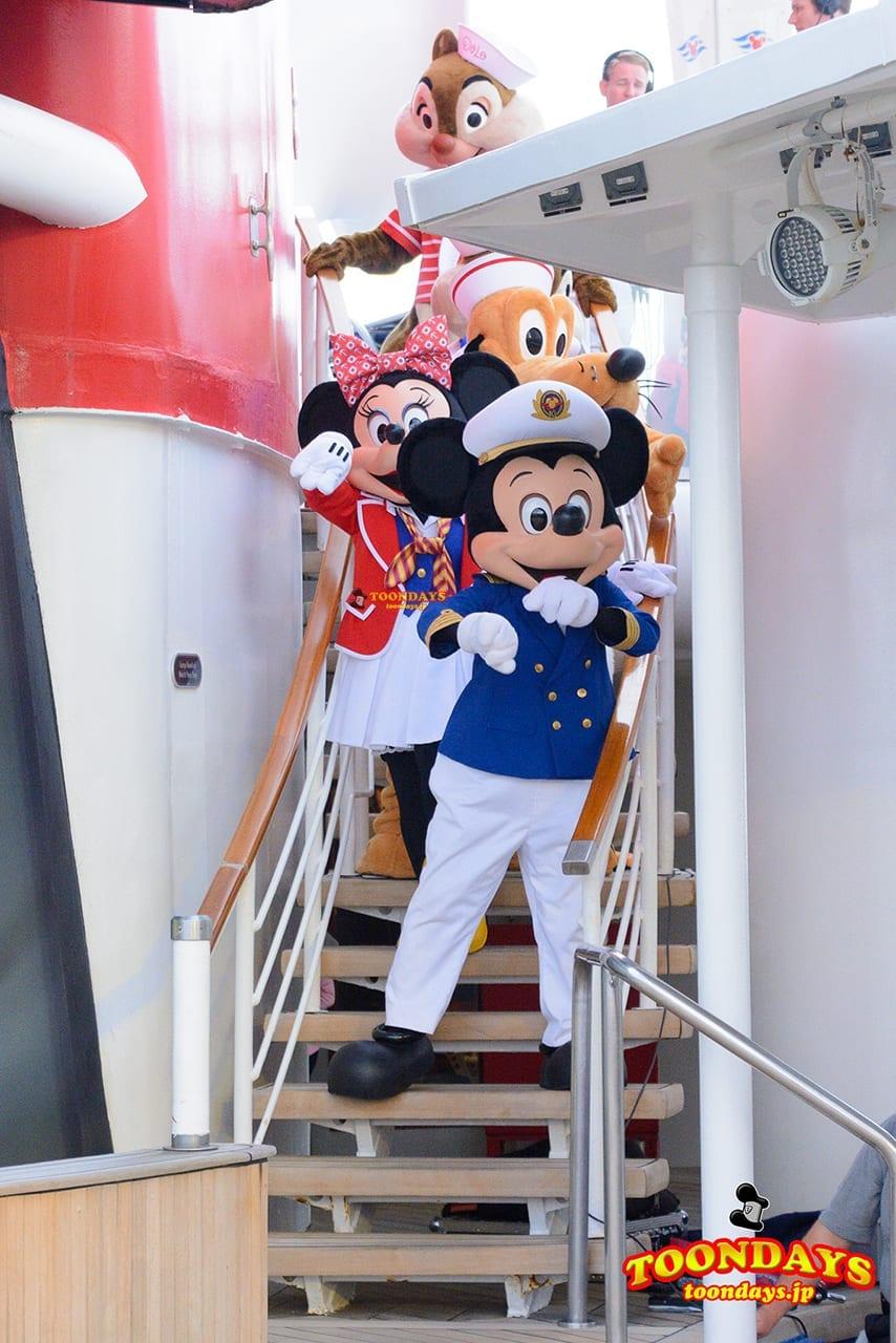 DCL ディズニー・ワンダー号 デックステージ アドベンチャーズ・アウェイ ミッキーマウス (4)
