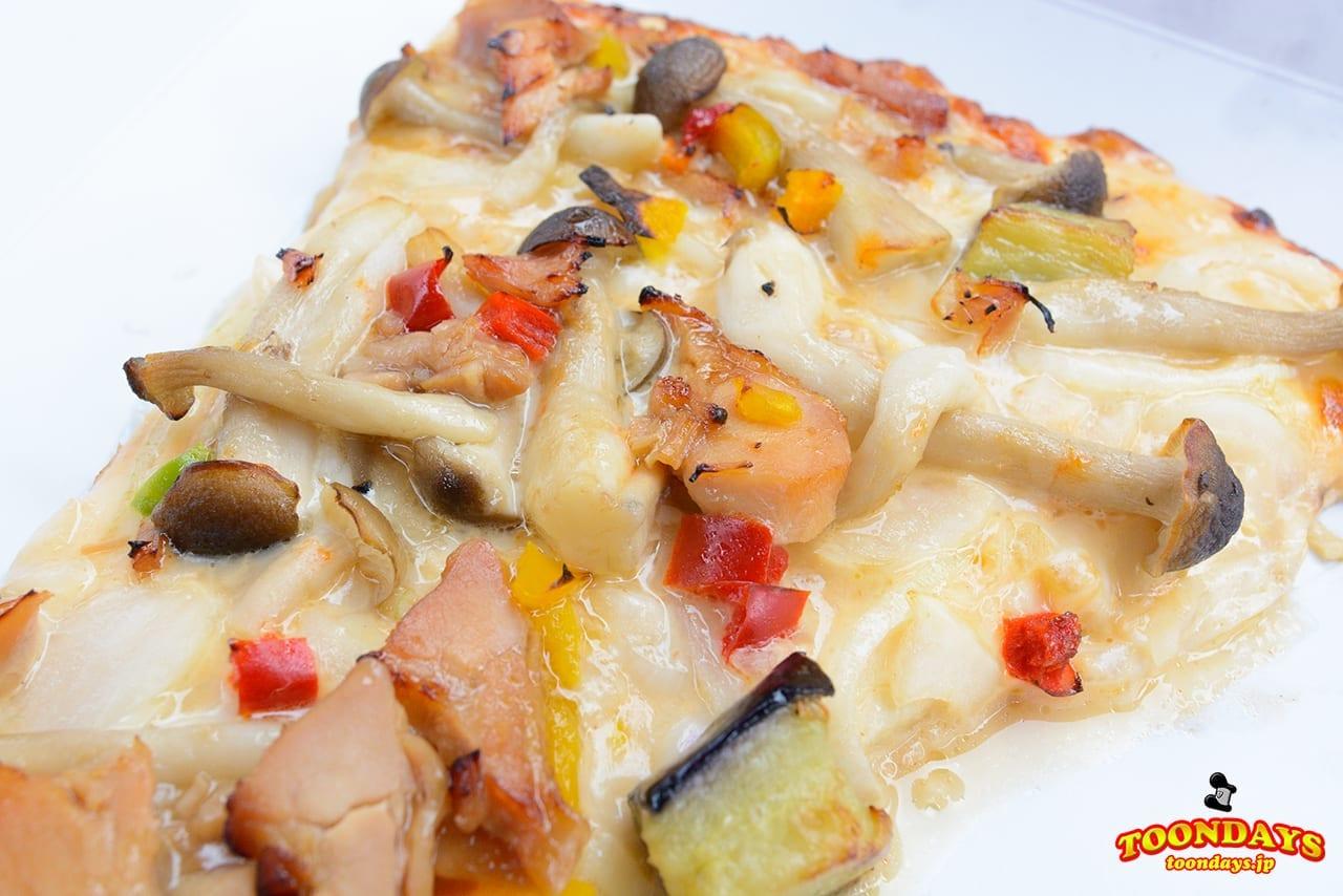 照り焼きチキンとシメジのピザ