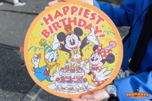 2020年版】ディズニーで誕生日を祝う!バースデーサプライズをする11個の方法&特典