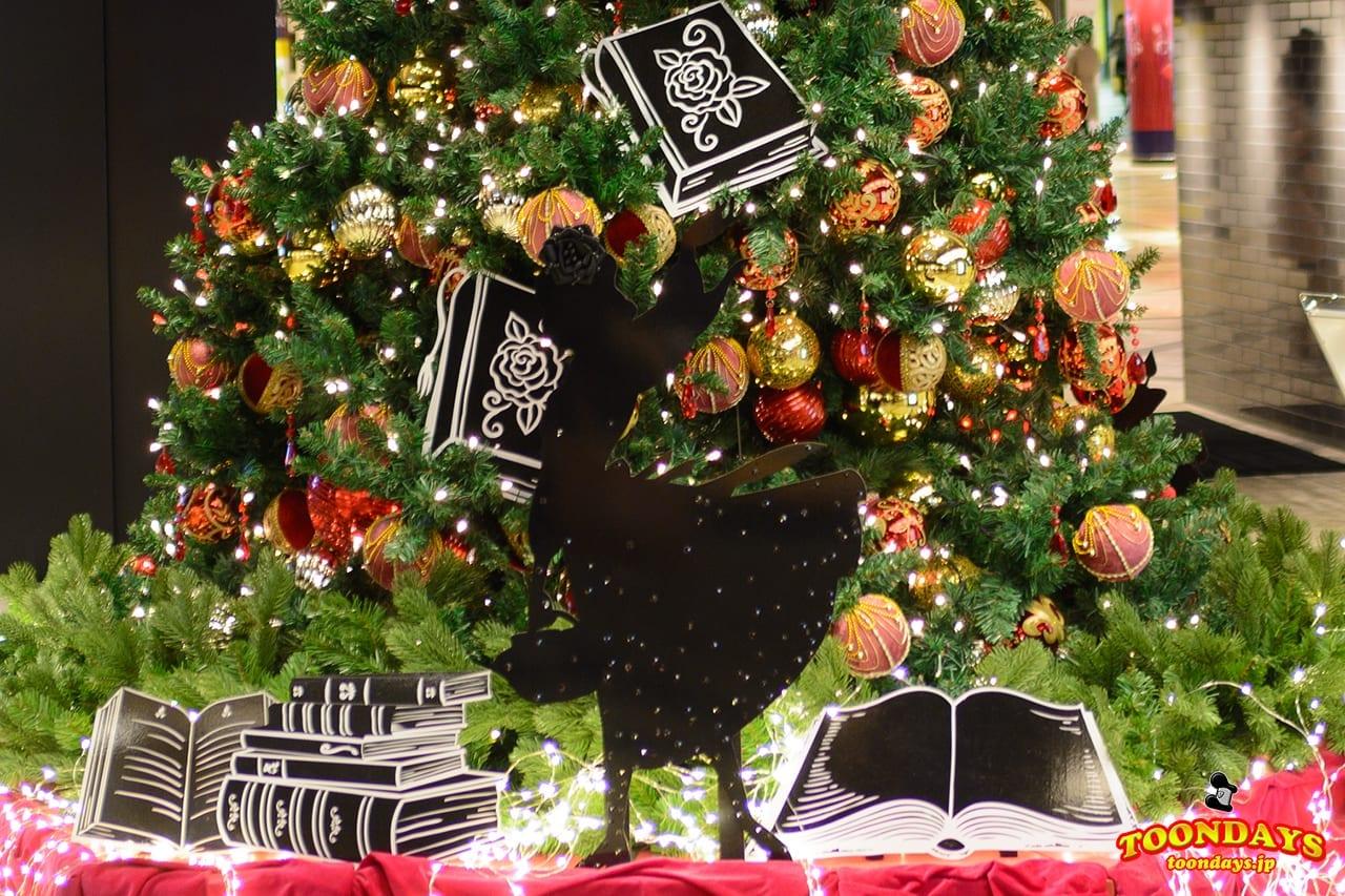 ベルのクリスマスツリーのデコレーション