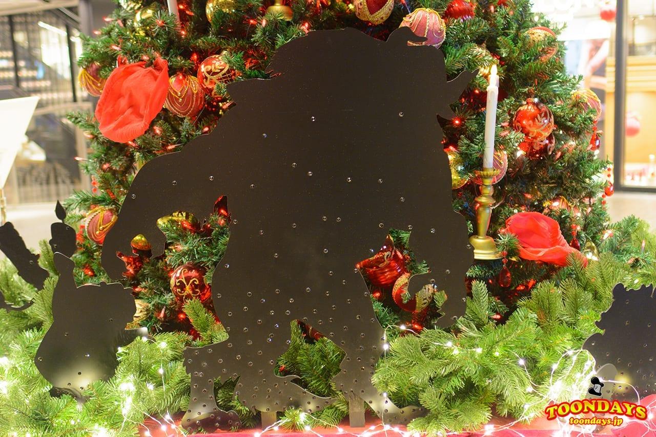 東急プラザ銀座で開催されているディズニー・クリスタル・マジックの『美女と野獣』クリスマスツリー