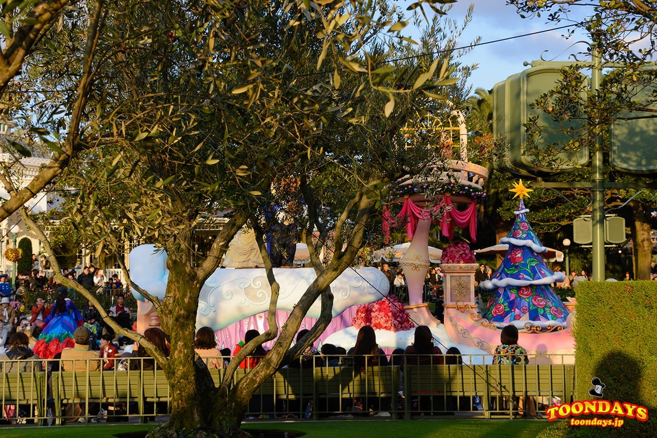 show-mode-of-disney-christmas-stories-2016-14