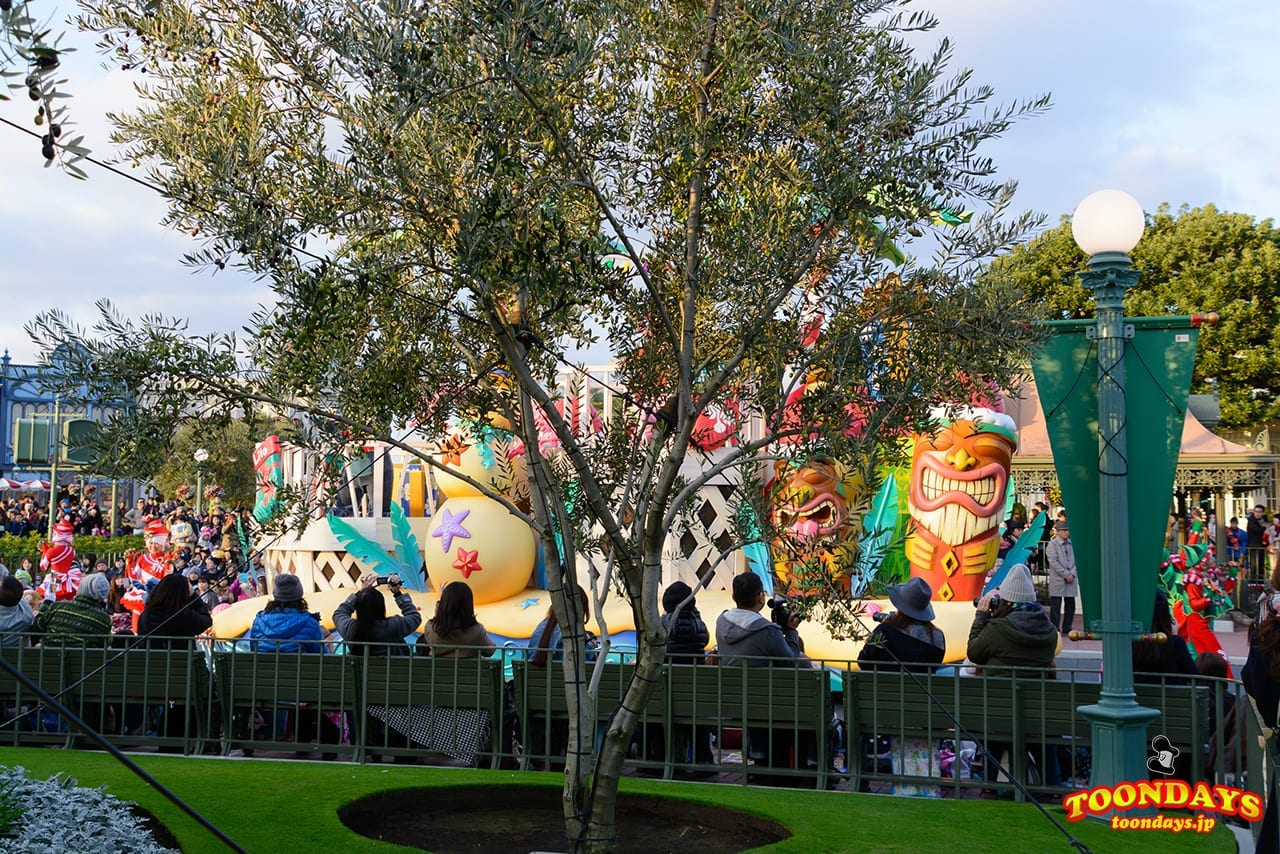 show-mode-of-disney-christmas-stories-2016-15