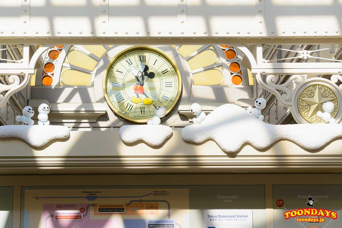 東京ディズニーランド・ステーション駅のアナ雪デコレーション