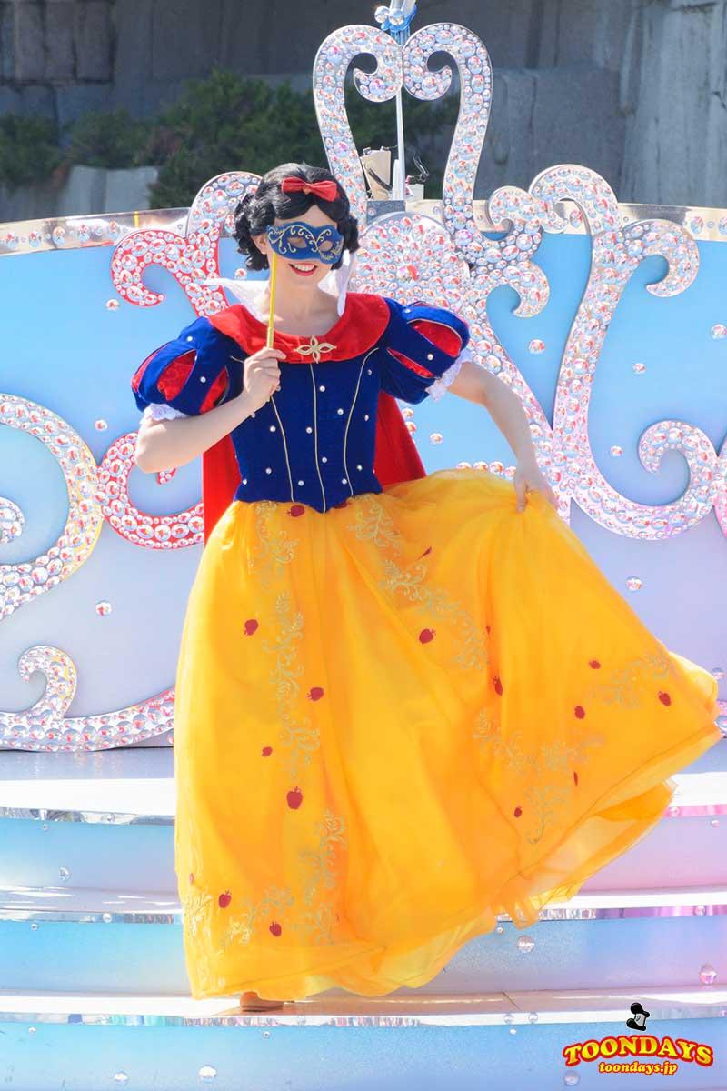 ザ・スターリット・プリンセス・ワルツの白雪姫