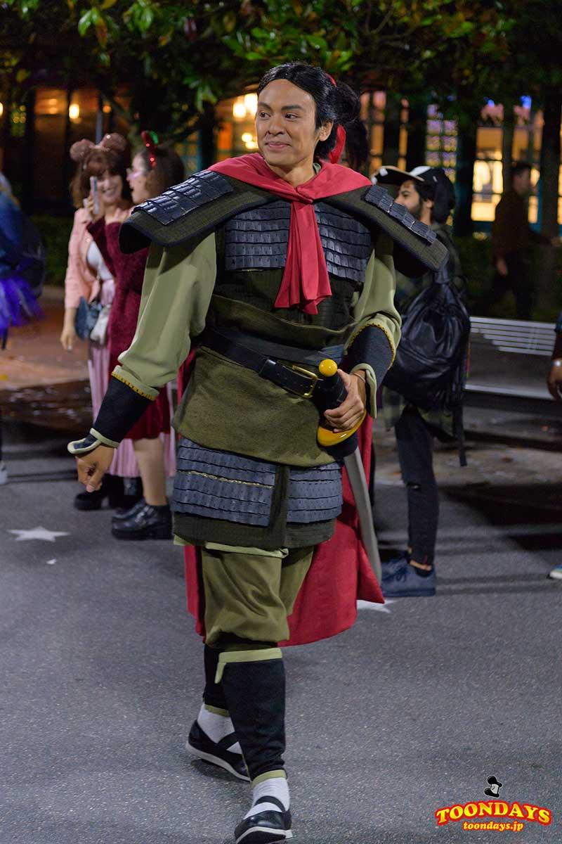 『ムーラン』のシャン隊長こと、リー・シャン